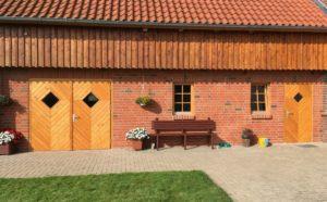 Allemann Türen und Tore aus Holz für die Landwirtschaft